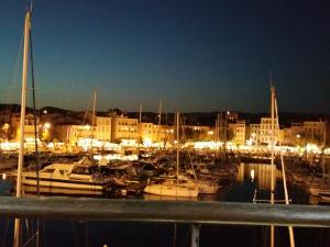 Le port de La Ciotat et son marché de nuit
