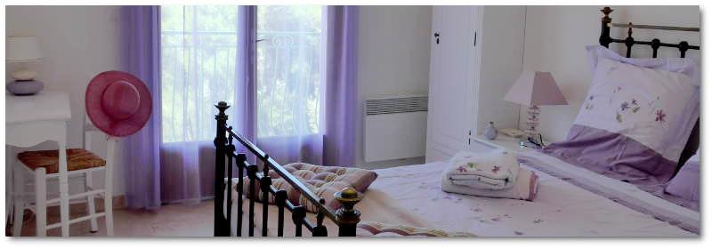 La très belle chambre parentale 'Lavande' à l'étage